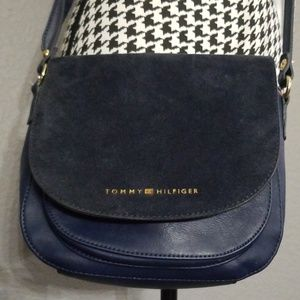 VTG Tommy Hilfiger Crossbody Bag